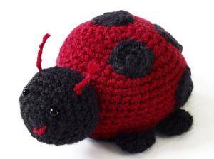 ladybug-crochet-instructions-vs.jpg