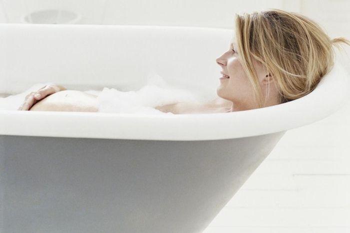 Принимать ванну во время беременности