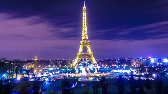 На майские праздники россияне планируют ехать в Париж и Израиль
